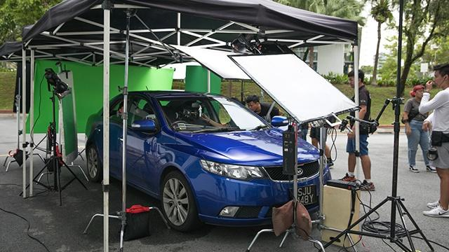 Director Nur Elaika says they had a lot of shittyrigs, well this works! On the set of Separation (Perpisahan).jpg